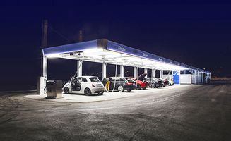 Attractive self-service stations thanks to customised LED panels.